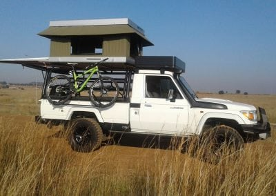 LAND-CRUISER-BUNDU-TOP-TENT